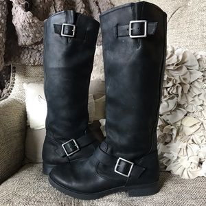 Black leather motorcycle boot size 6